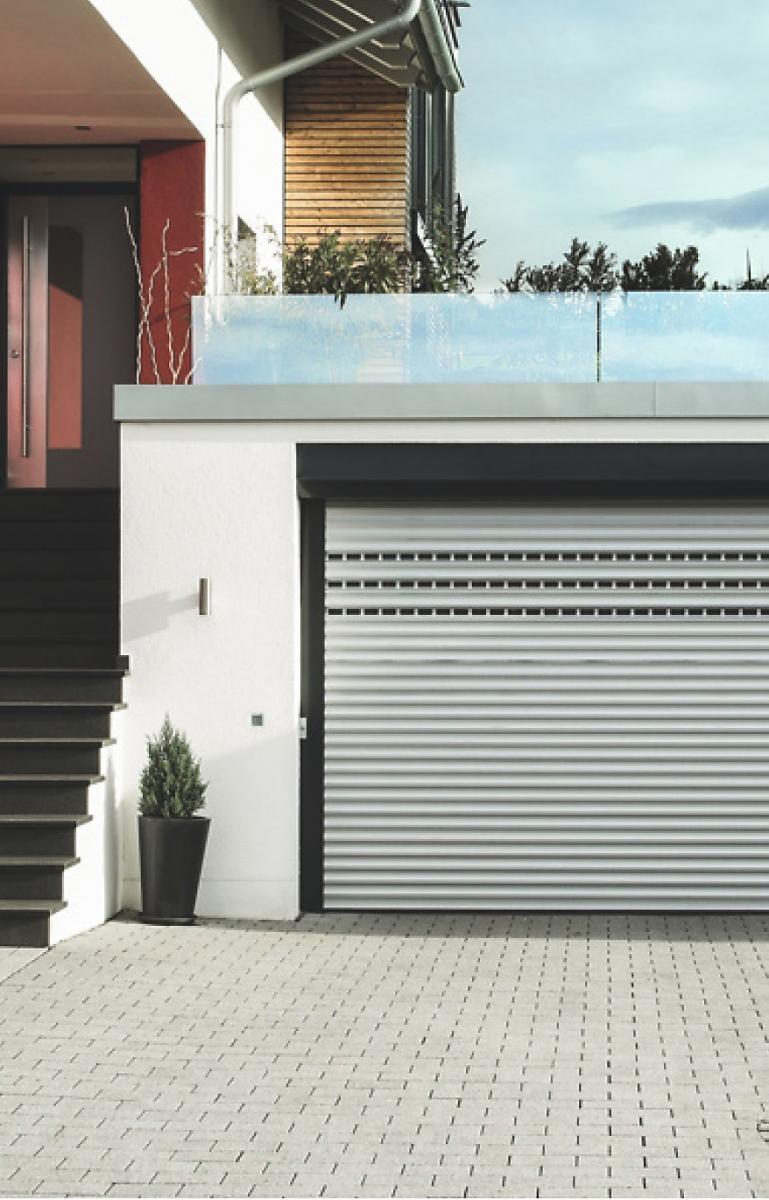 roma garagentore minimaler platz maximale effizienz. Black Bedroom Furniture Sets. Home Design Ideas