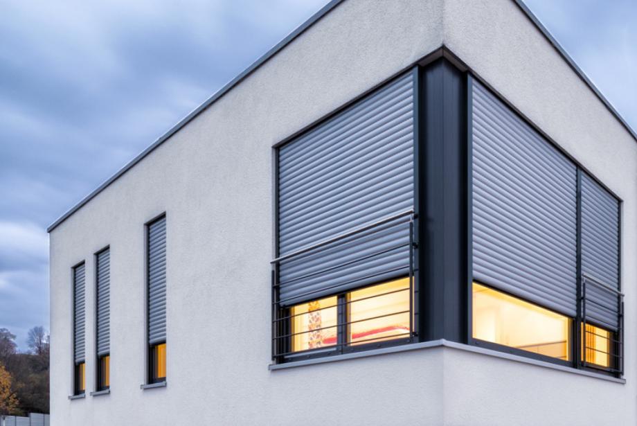 roma rollladen f r schutz komfort und behaglichkeit. Black Bedroom Furniture Sets. Home Design Ideas